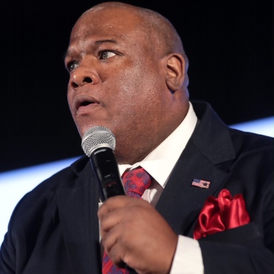 Mark Burns