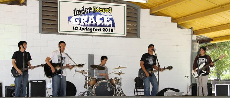 Under Grace concert