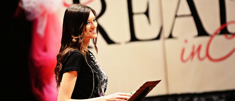 Kylie Bisuitti concert